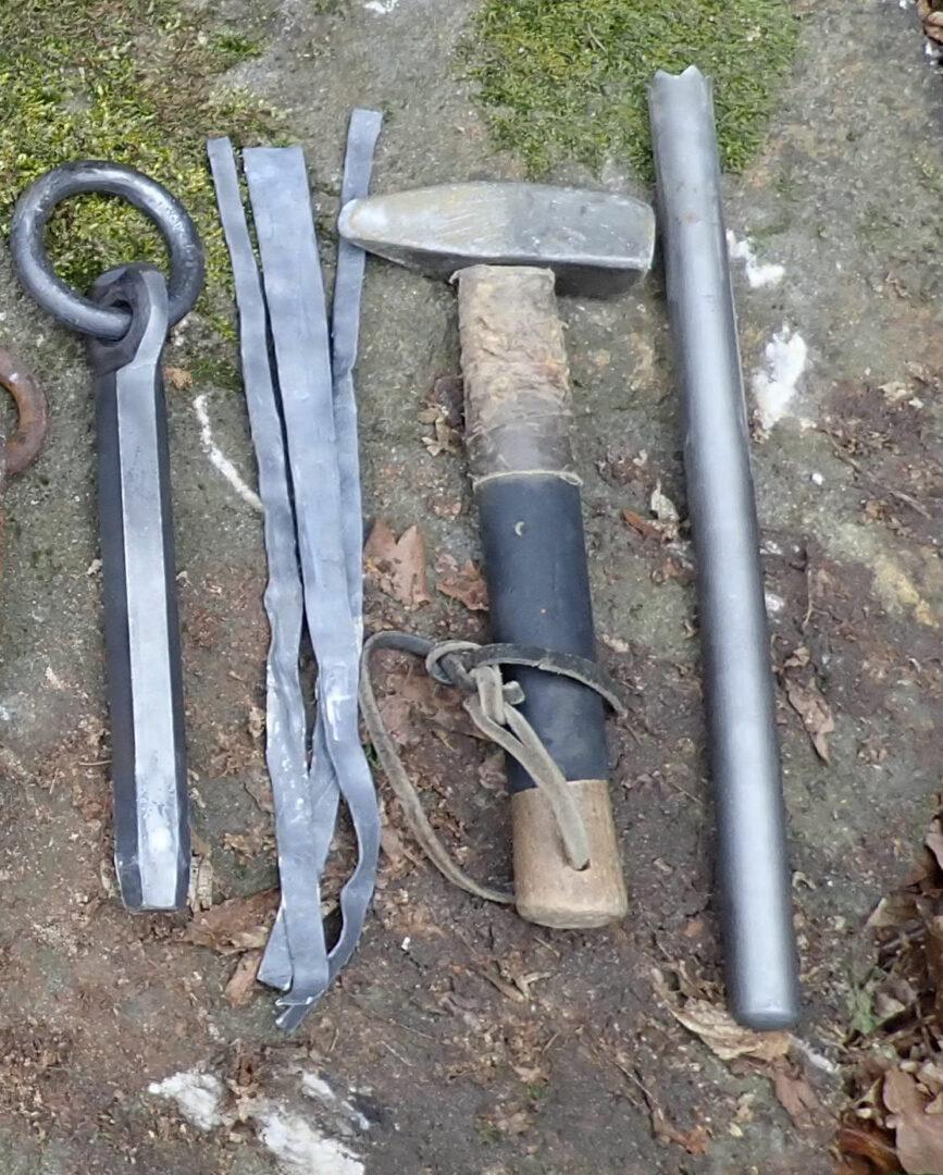 Eisenring, Bleistreifen, Hammer, Krohnenbohrer