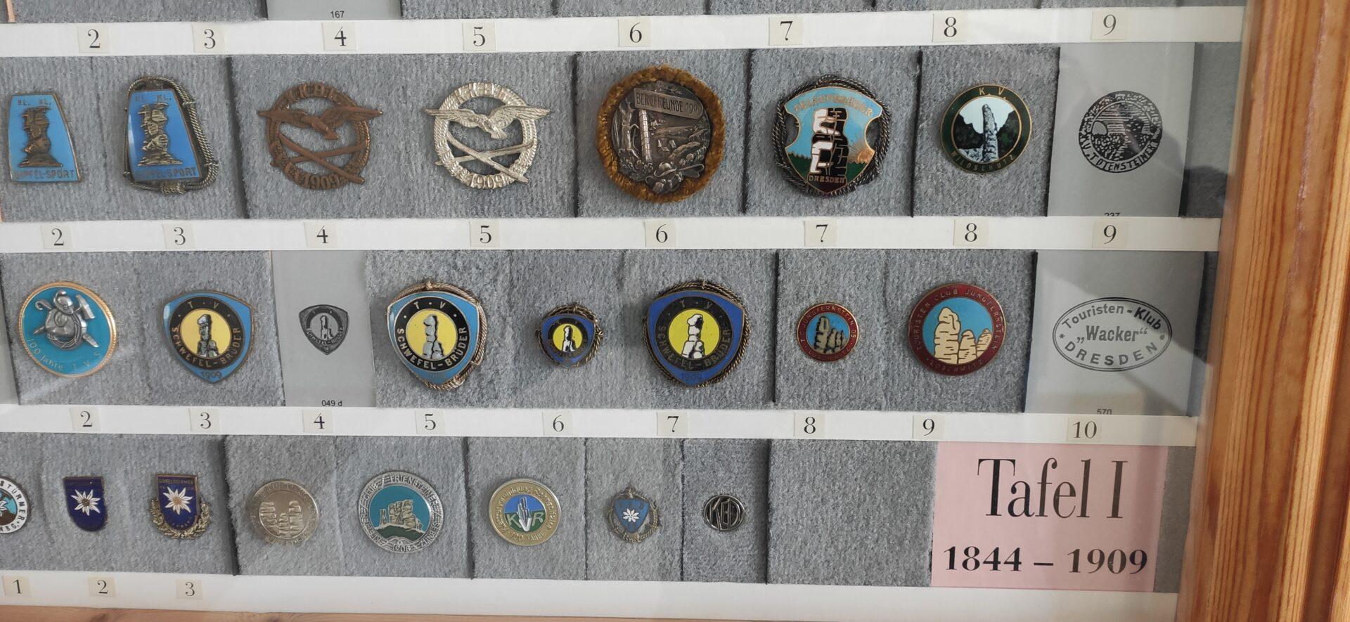23 Abzeichen der Tafel I von 1844 - 1909