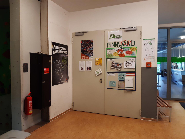 Foto von Pinnwandtür